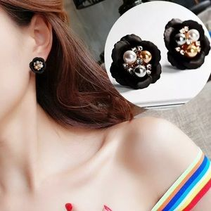 Jewelry - BLACK GOLD AND WHITE FLORAL EARRINGS